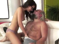 Sex Appeal Hottie Kneels And Performs Nice Blowjob.