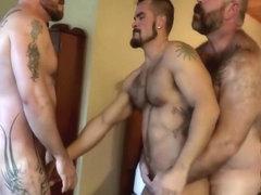 Гей секс с молдаванином