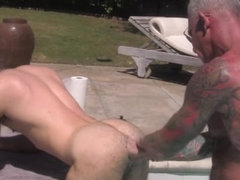 Tattooed uk bear cums over london lad