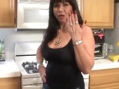 Большая силиконовая грудь и длинные ногти порно — pic 3