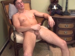 Military newbie Tyler Austin wanks off his rock solid cock