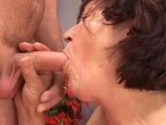 Смотреть порно i wanna cum inside your grandma vol 3
