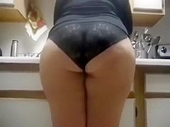 Big chubby butt of my white mother i'd like to fuck girlfriend in the kitchen