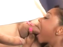 Ebony Honey Baby Cakes Blowing Schlongs In Blowbang