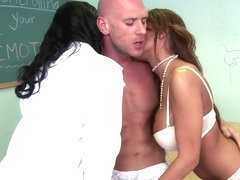 Allison Star, Angell Summers ride Johnny Sins' dick
