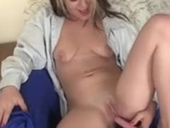 Pierced Honey Bribarella Toying Her Pussy