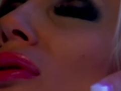 Puma Swede a sztriptízbárban - xxx videók ingyen