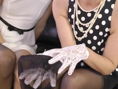 Posh Sappho Mature Pussy Rubbing With Gloves