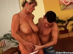 Saggy granny with squirting and bushy snatch acquires drilled