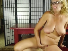 Mature nerd aunty with saggy tits and hungry pussy