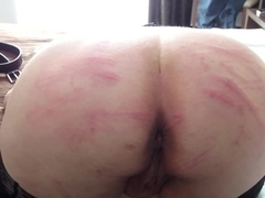 Holidays bdsm: 30 shots electrical wire on ass