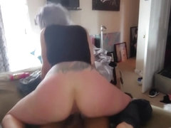 Sunburnt blue hair tatted milf gets creampied by bbc