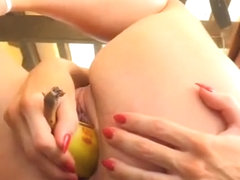 Amateur fuck pussy with banana in public