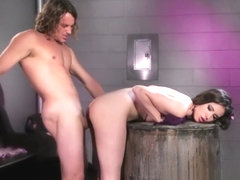 Casey Calvert dominated by Tyler Nixon
