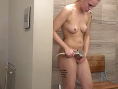 Behind The Scenes Lincoln Hottie Rachael Shaving Pussy In The Shower - NebraskaCoeds