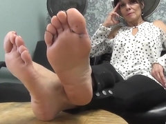 Mature seductive feet