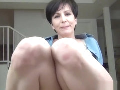 Single Neighbor Needs a Favor - pov milf virtual sex and huge faux cumblast