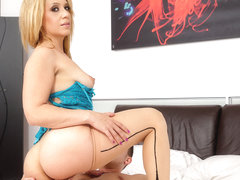 Plays with pussy lix stevie with dildo her necessary words