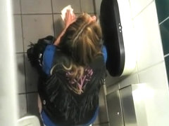 Are philippinesgirls peeing and having sex in toilet also not