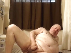 Exposed fat boi tiny dick jerking off